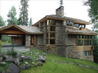 Wilson Peak - 5 Bd / 4.5 Ba - Ski Home - Sleeps 12 Comfortably - Located in the Mountain Village - Short Distance from Lower Gal - Mountain Village vacation rentals