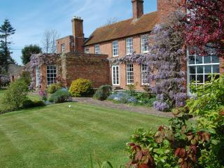 Old Walls - luxury & spacious. New Forest coast - New Forest vacation rentals