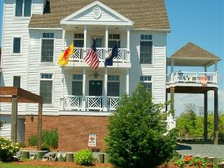 Waterfront, 5 BR, 4 BA, Elevator, sleeps 10 - Chincoteague Island vacation rentals
