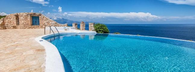 Luxury Villa Deep Blue with private pool and direct access to the sea - Image 1 - Korithion - rentals