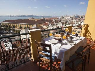 Apartment with terrace and breahtaking view! - Leiria vacation rentals