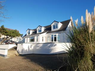 J Walk, A luxury house in the middle of a great seaside town - Rhosneigr vacation rentals