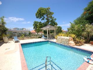WALK TO BEACH IN 5 MIN!  POOL! STAFF! Buena Vista - Sandy Bay vacation rentals