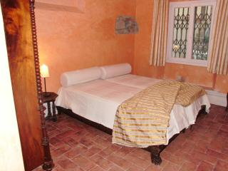 lovely apartment garden & wifi  up to 3 people - Vinci vacation rentals