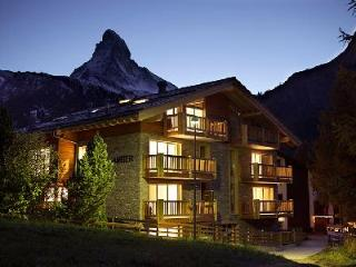 Chalet Amber - 4 Bedroom Deluxe Apartment Near Ski Lift, Shops and Dining - Valais vacation rentals