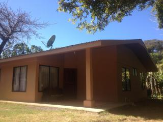 Casa Bajo Tigre- Great house, near attractions. - El Castillo vacation rentals