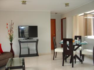 FULLY FURNISHED 2-BEDROOM APARTMENT MIRAFLORES 301 - Lima vacation rentals