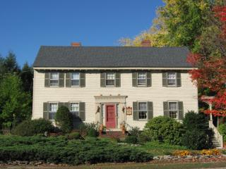 Rogers and Brown House B&B, c.1750, Ipswich,MA - Newbury vacation rentals