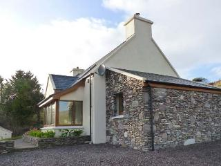 GALLIVANS, luxury detached cottage, en-suites, open fire, sea views, beach close by, near Caherdaniel, Ref 19663 Ref 19663 - County Kerry vacation rentals