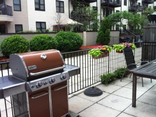 Hoboken, NJ - 3 miles from the Meadowlands 2 blks to pblc transpt. to train to the game/NY. Close to EWK, JFK, LGA airport - Greater New York Area vacation rentals