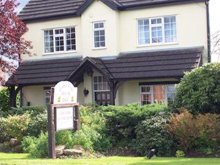 Oakland House B&B Nantwich - Twin or Double rooms - Bourton-on-the-Water vacation rentals