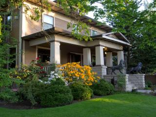 1911 Craftsman Mansion - Lions Gate - Dundee vacation rentals