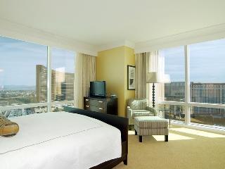 TRUMP 1bedroom 2bath 59th Floor AMAZING Strip View - Las Vegas vacation rentals