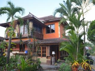 Villa Stanley - Apartment with amazing Garden View - Mataram vacation rentals
