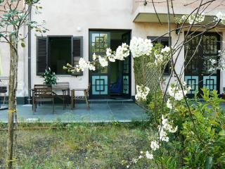 Cozy lovely apartment with spacious private garden - Trecastagni vacation rentals