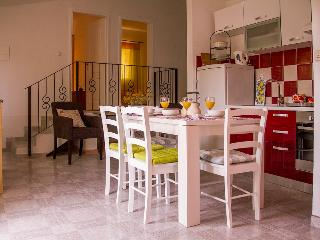 DALIA Ap., Estate under the Paintbrush, Vis Island - Vis vacation rentals
