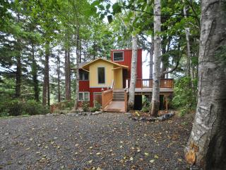An HGTV Ocean View Tree House - Cannon Beach vacation rentals