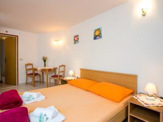 Dubrovnik apartment Lorena - Southern Dalmatia vacation rentals