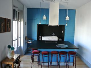 urband & trendy dowtown B&B apartment - Porto vacation rentals