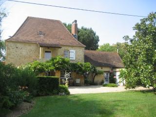 Superb house on the banks of the Dordogne River - Lalinde vacation rentals