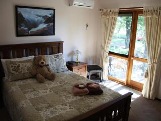 Bed and Breakfast Perth - Perth vacation rentals