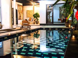 4 BR 2 Pools Luxury villa GitaAyu in Seminyak Bali - Seminyak vacation rentals