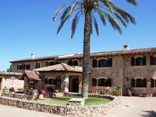 Elegant Villa with pool and tennis court in Mallorca - 25 minutes from Palma - Consell vacation rentals