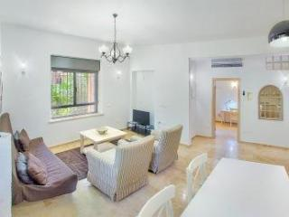 STUNNING 1 BEDROOM IN HEART OF GERMAN COLONY - Jerusalem vacation rentals