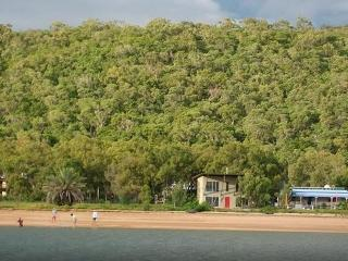 Paco' Beach Hut - Magnetic Island vacation rentals
