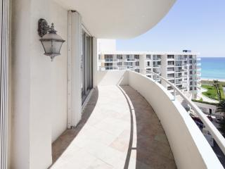 Seacoast Tower Beautiful Views 2 Bedroom Apartment - Miami Beach vacation rentals