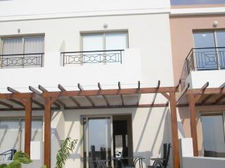 2 bedroom house with roof garden - Tala vacation rentals