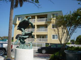 Oceanside Villa #305 (3rd floor) - Isle of Palms vacation rentals
