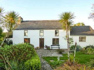 FARMHOUSE, pet-friendly, woodburner, rural views, detached cottage near Ballydehob, Ref. 31098 - County Cork vacation rentals
