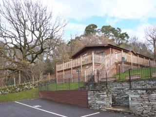 HIGH VIEW LODGE, en-suite facilities, WiFi, on-site facilities including pool, detached lodge near Troutbeck Bridge, Ref. 903990 - Troutbeck Bridge vacation rentals