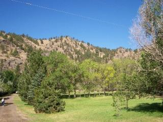 Jumping Rainbow Lodge. - Cascade vacation rentals