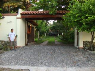 Beautiful 3,000 sq ft Beach House - El Porvenir vacation rentals