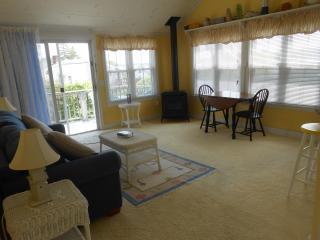 Harbor View apartment overlooking garden - Bar Harbor and Mount Desert Island vacation rentals