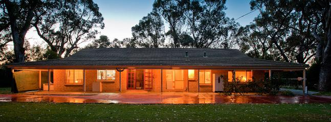 Moore River Holiday House, Front View - Moore River Holidays. Group Booking Specialists - Guilderton - rentals