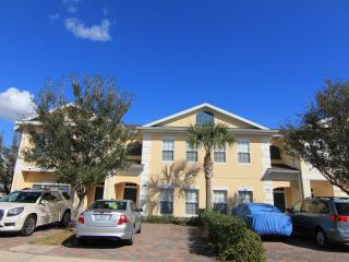 Gated 4 Bedroom with WiFi and Jacuzzi, 6 miles to Disney - Kissimmee vacation rentals