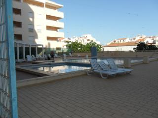 T1 Apt with Pool 3 minutes to the beach  JAS-6E - Armação de Pêra vacation rentals