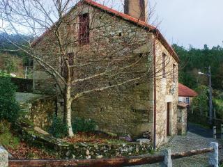 Mourelos House - A Coruna Province vacation rentals