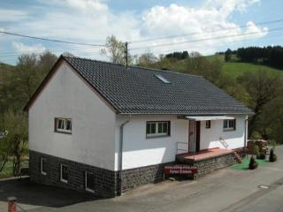 LLAG Luxury Vacation Home in Rockeskyll - 2260 sqft, cozy, quiet, comfortable (# 4804) - Plutscheid vacation rentals
