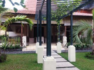 Perfect Tropical Villa in Bali - JOGLO VILLA - Jimbaran vacation rentals