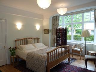 Self-catering for 2 in London Hammersmith near Rav - London vacation rentals