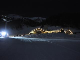 white weeks in a cabin surrounded by ski slopes - Pre-Saint-Didier vacation rentals