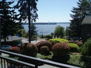 Beach Condo on Lake Washington - Kirkland vacation rentals