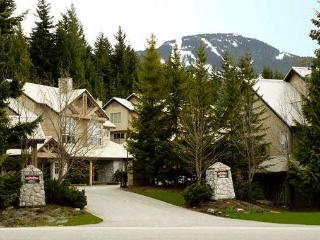 Luxurious Ski in/out Townhome with PRIVATE HOT TUB - Whistler vacation rentals
