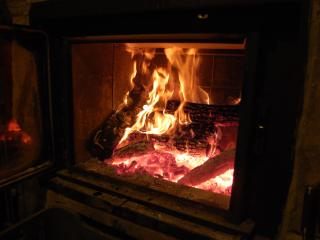 Casa Dorondón: Casa centenaria de piedra y madera - Sabinanigo vacation rentals