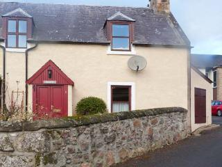 SILOCH, WiFi, pet-friendly, romantic touring base, stone cottage near Nairn, Ref. 904244 - Forres vacation rentals