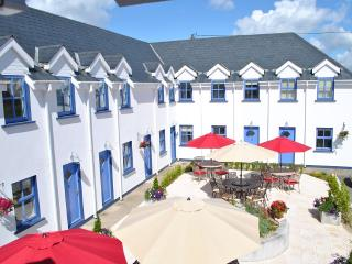 Beautiful 2 Bedroom Apartment, Great Location - Kilmore Quay vacation rentals